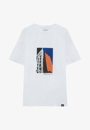 GEBÄUDEFOTOGRAFIE - Print T-shirt - white