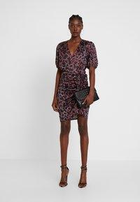 By Malina - PENNY DRESS - Vestito elegante - savannah - 2