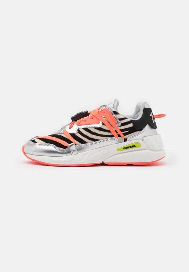 S-SERENDIPITY LC EVO - Sneakers laag - white/black/rosa