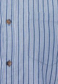 TOM TAILOR DENIM - STRIPED LONG SLEEVE - Skjorta - blue - 6