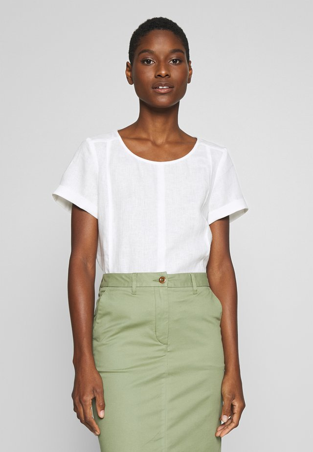 SHORT SLEEVE LOOSE FIT HYBRID STYLE - Blouse - clear white