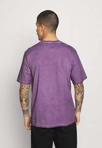 Russell Athletic Eagle R - NELSON - Print T-shirt - violet - 2