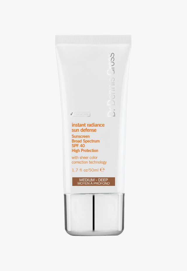 INSTANT RADIANCE SUN DEFENSE SPF40 50ML - Solcreme - medium