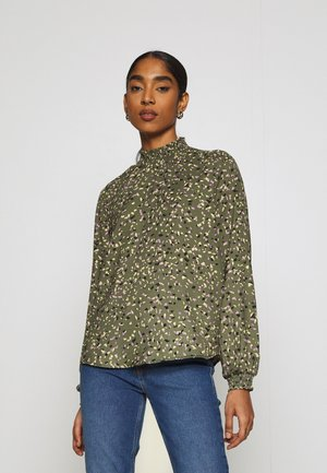 ONLTHORA SMOCK - Blusa - four leaf clover/blurry