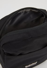 Timberland - SMALL ITEMS - Sac bandoulière - black - 4