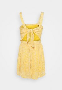 Hollister Co. - WEBEX BARE SMOCKED TIEBACK ROMPER - Overal - yellow - 8