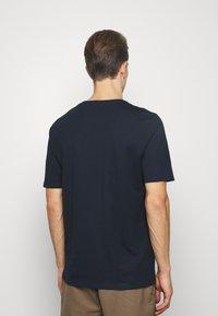 Selected Homme - SLHFRESNO  - Basic T-shirt - sky captain - 2