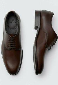 Massimo Dutti - Smart lace-ups - brown - 3