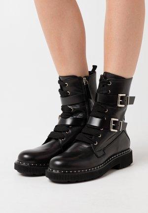 MARINAIO - Platåstøvletter - black