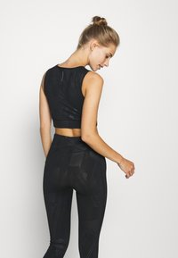 ONLY Play - ONPMADO CROPPED TRAINING - Top - black - 2