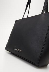 Calvin Klein - MUST - Sac à main - black - 3