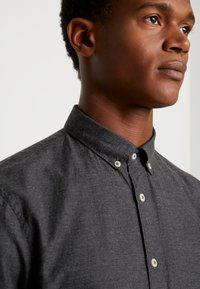 CELIO - NAPINPOINT - Shirt - anthracite - 4