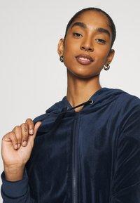 Vero Moda - VMATHENA - Zip-up hoodie - navy blazer - 3