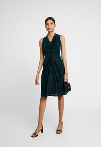 Closet - CENTRE PLEATS A LINE DRESS - Cocktail dress / Party dress - teal - 2