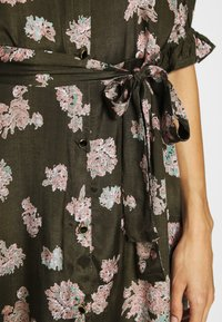 Kaffe - KAVELANA DRESS - Maxi-jurk - grape leaf - 4