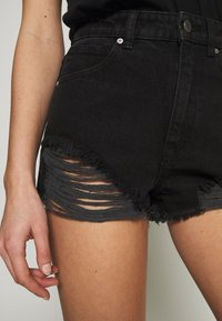Abrand Jeans - A HIGH RELAXED SHORT - Denim shorts - black salt - 5