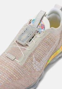 Nike Sportswear - AIR VAPORMAX 2020 FK - Trainers - light bone/white grey fog sail - 5