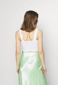Miss Selfridge - RUFFLE STRAP CROP 2 PACK - Top - white/lemon - 2