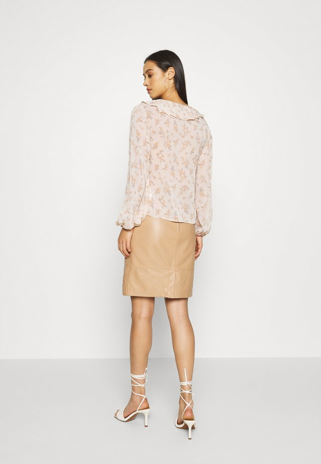 ALISON FRILL - Blouse - pink pattern