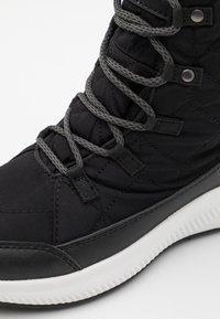 Hi-Tec - QUILTY WP - Zimní obuv - black/white - 3