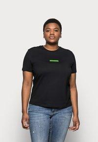 Calvin Klein Jeans Plus - CENSORED TEE - Print T-shirt - black - 0