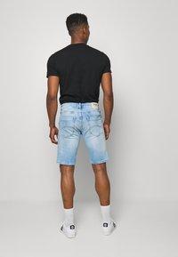 Tommy Jeans - SCANTON  - Jeansshort - court light blue - 2