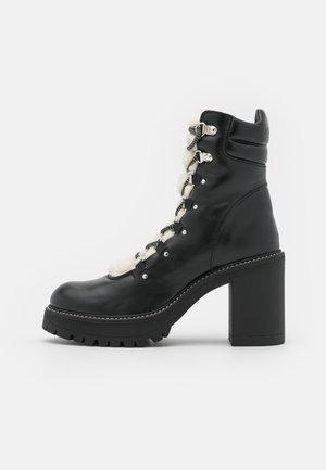SALES TRONCHETTO LISCIO SIMIL  - Šněrovací kotníkové boty - black