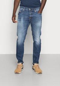 Diesel - D-FINING - Jeans Tapered Fit - blue denim - 0
