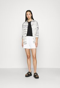4th & Reckless - CORA - Shorts - white - 1