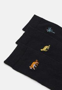 Wild Feet - EMBROIDERED SOCKS CATS 3 PACK - Sokken - black - 1