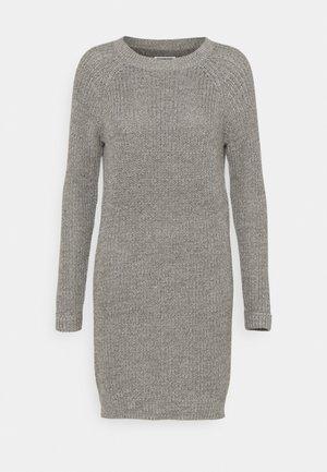 NMSIESTA O NECK DRESS PETITE - Jumper dress - medium grey melange