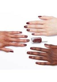 Essie - EXPRESSIE - Nail polish - not so low key - 1