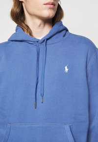 Polo Ralph Lauren - MAGIC - Mikina s kapucí - bastille blue - 5