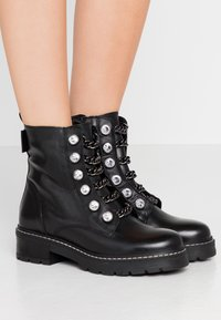 Kurt Geiger London - BAX - Cowboy/biker ankle boot - black - 0