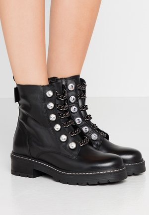 BAX - Cowboy/biker ankle boot - black