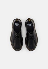 Dr. Martens - ICED - Volnočasové šněrovací boty - black smooth - 3