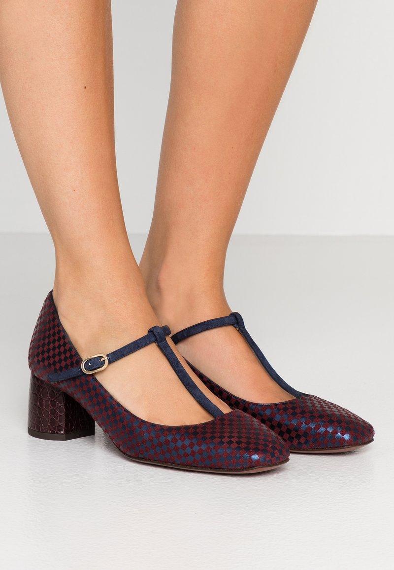 Chie Mihara - TURNOUT - Classic heels - grape/nuit/nilo grape