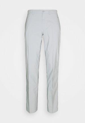 ELOF GOLF PANT - Bukse - stone grey