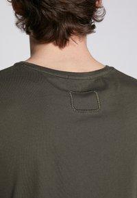Tigha - HEIN - T-shirt - bas - military green - 5