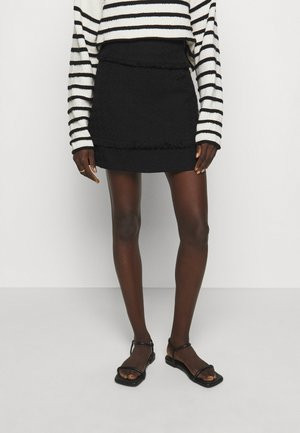 TEXTURED SHORT SKIRT - Mini skirt - black