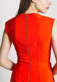 Closet - SLEEVELESS VNECK - Jumpsuit - orange - 6