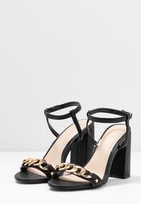 Miss Selfridge Wide Fit - WIDE FIT SHAM CHAIN BLOCK HEEL - Korolliset sandaalit - black - 4
