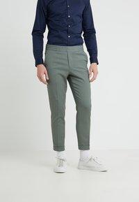 Filippa K - TERRY CROPPED PANTS - Trousers - platoone - 0