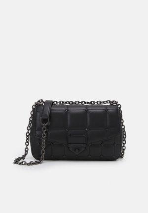SOHO CHAIN - Handbag - black