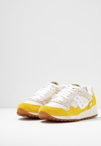 Saucony - SHADOW VINTAGE - Sneakers laag - yellow/tan/white - 4