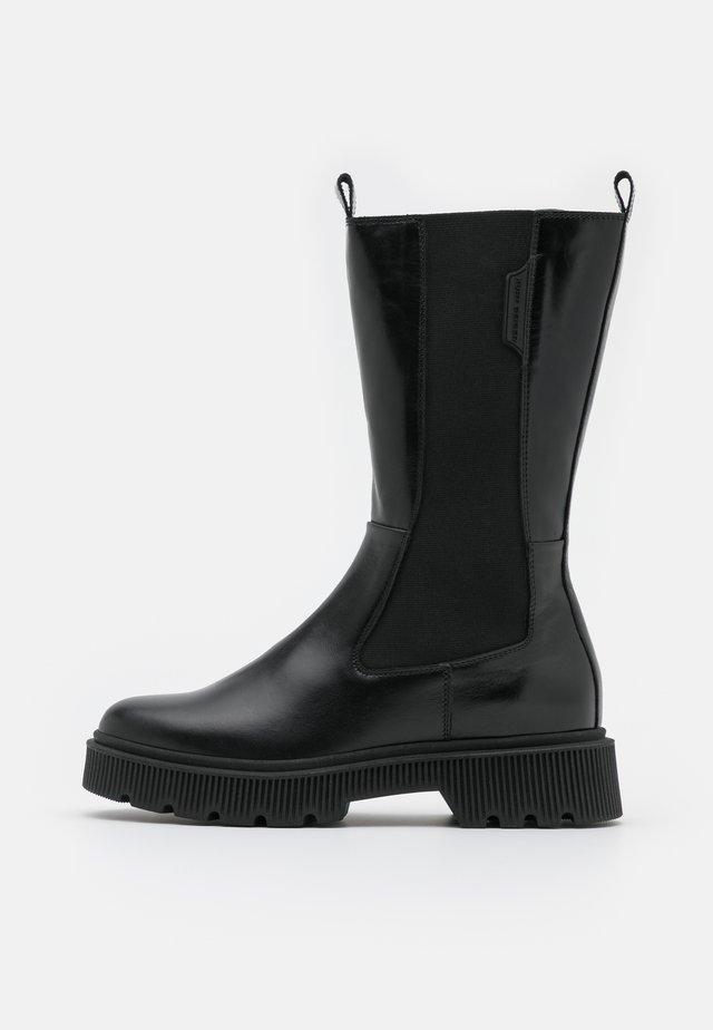 STINT - Platform boots - black