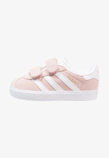 GAZELLE - Baskets basses - iced pink/footwear white