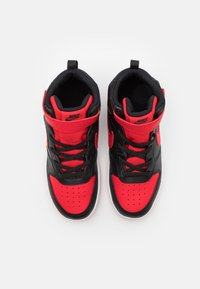 Nike Sportswear - COURT BOROUGH MID 2 UNISEX - Zapatillas altas - black/university red/white - 3