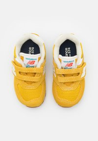 New Balance - IV574HB2 UNISEX - Trainers - yellow - 3