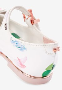 Next - BAKER BY TED BAKER - Ballet pumps - white - 4